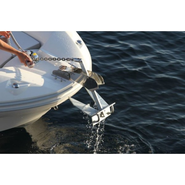 Zodiac Nautic Electric windlass N-ZO 680 - Factory assembly - French Riviera dealership
